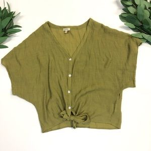Lily White || Olive Green Knot Short Sleeve Top